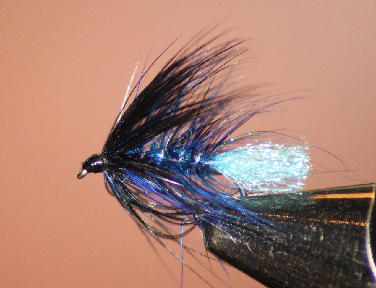 Irish Fly Supplies mallard flight feathers in Claret.